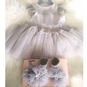 HP Baby Girl Gray Outfit 6-9M Socks/headband/dress